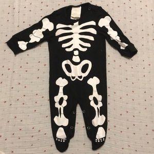 Other - Skeleton onesie BLK/WHT soft!